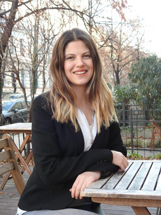 Melis Özcan,</br>Business Development Team