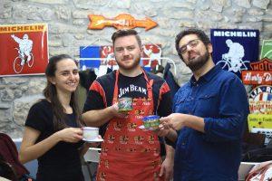 teambuilding painting mugs