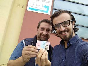 Varlık Transport şoförü çalışma kartını teslim alırken