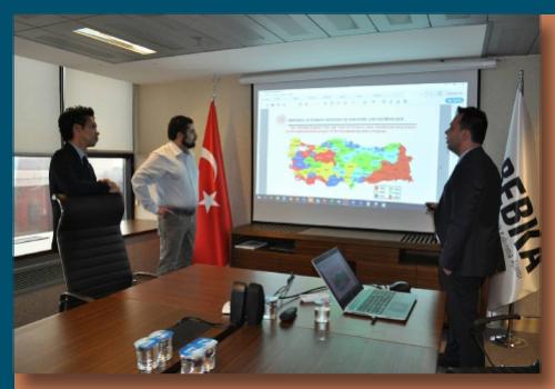 284/5000 Yalın Yuregil, PC International için yaptığı iş gezisi kapsamında Bursa